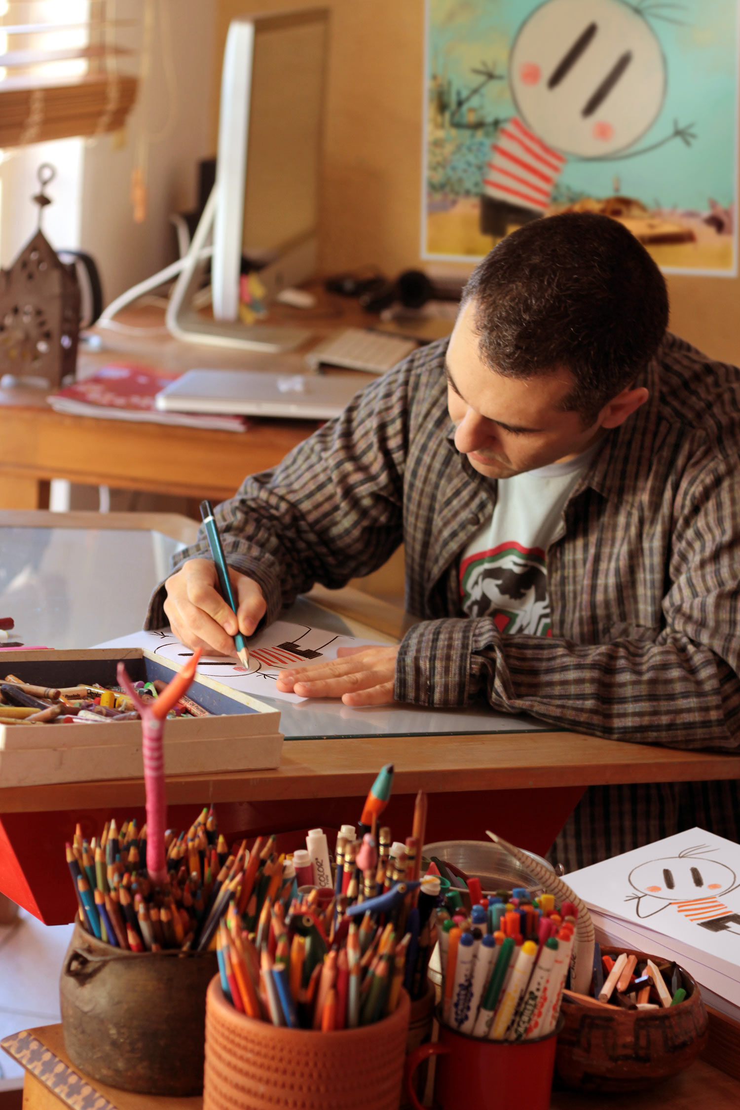 Alê Abreu at work.