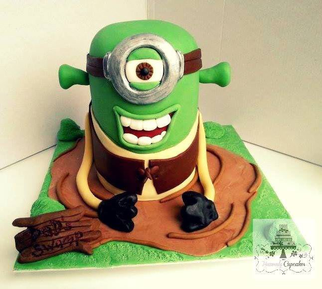 shrekminion-cupcake