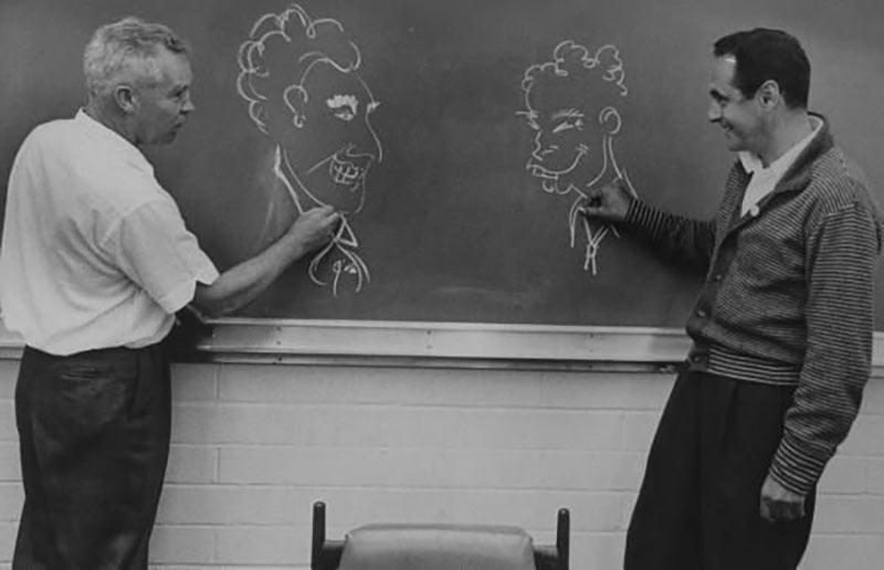 Bill Hanna (l.) and Joe Barbera draw one another.
