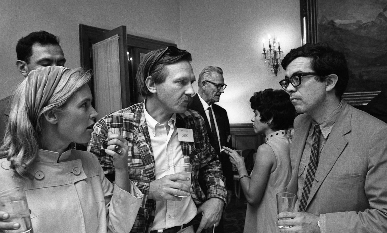 Johanna VanDerBeek, Stan VanDerBeek, and Robert Breer. Grim Natwick is in the background. (Photo: Bruno Massenet/The Bruno Massenet fonds of The Cinémathèque québécoise)