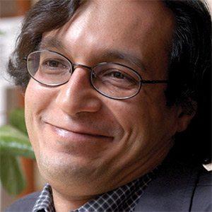 Carlos Carrera.