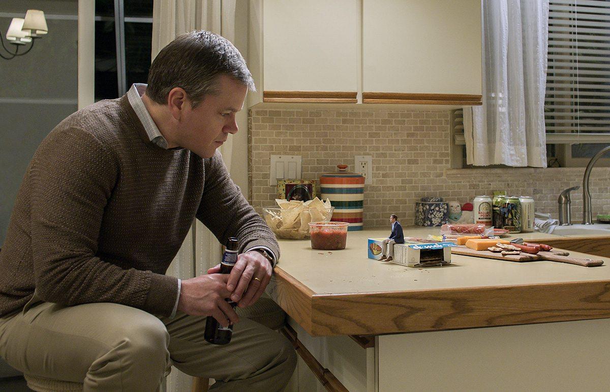 Matt Damon as Paul talks to Jason Sudeikis as Dave.