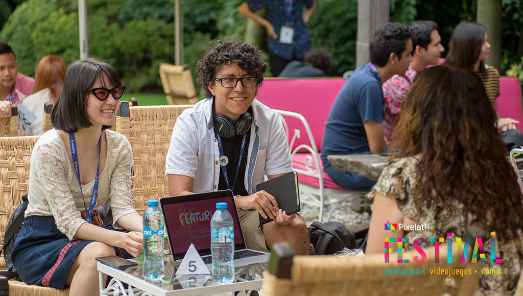 "Yasmin Islas and Gabriel ""Pich"" Pichardo pitching ""Rapper Ripiti"" at Pixelatl's Ideatoon."