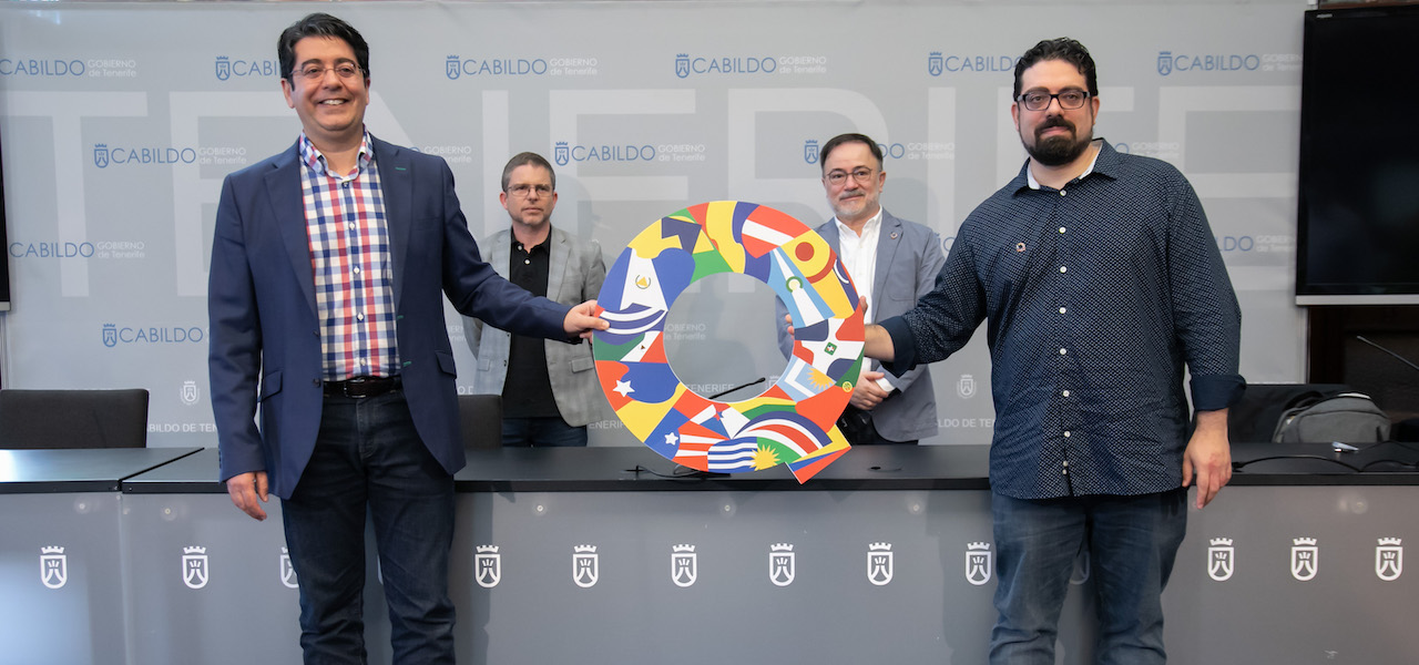 Pedro Martín Domínguez, president of the Cabildo de Tenerife (front left) and José Luis Farias, coordinator of the Quirino Awards (front right), announced the format for the 2020 Quirinos in Tenerife yesterday.