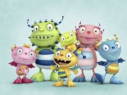 hugglemonsters-family-390x285